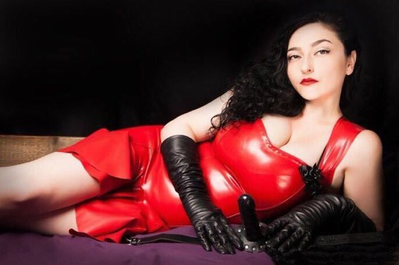 London Mistress Clarissa